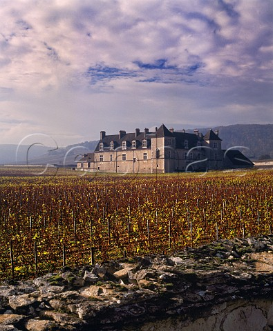 Chteau du Clos de Vougeot and its autumnal vineyard with the clos wall in foreground Vougeot Cte dOr France Cte de Nuits Grand Cru