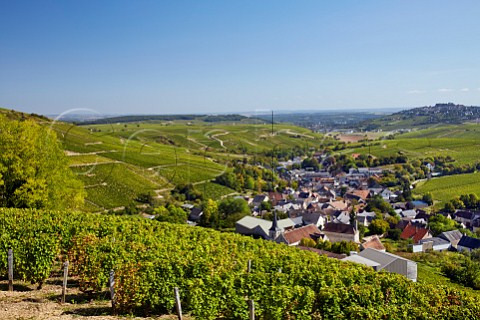 View over village of Chavignol from top of Le Cul de Beaujeu vineyard with Les Monts Damns vineyard on left and hilltop town of Sancerre in distance Cher France   Sancerre