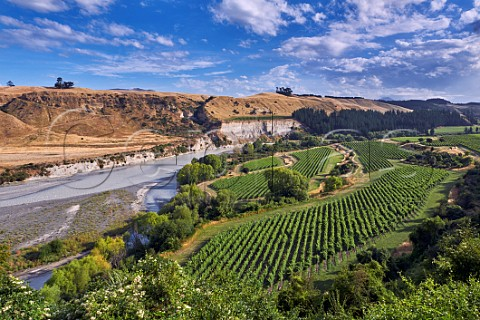 Nautilus Awatere Vineyard on a terrace above the Awatere River planted with Sauvignon Blanc Pinot Noir Pinot Gris and Chardonnay Tupari vineyard is on far side of the river Seddon Marlborough New Zealand  Awatere Valley